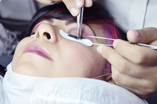 radiofrekwencja mikroigłowa twarzy