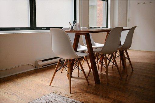 drewniane stoły okrągłe rozkładane